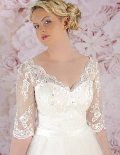 sweetheart gown with lace sleeves